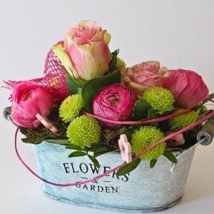 aranjament floral in ghiveci cu roz
